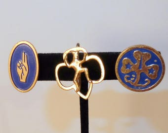 3 Vintage Girl Scout and Brownie Pins Trefoil and 2 Finger Promise 1960s