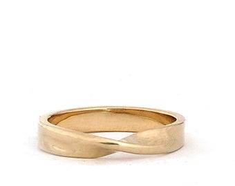 14k Gold Mobius Ring
