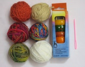 Pony Spool Knitter, Wood French Knitting Doll tricotin- Instructions and Needle with 6 Colored balls of Yarn Plastic Tapestry Needle Kit