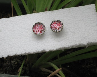 Stud earrings - Bronze with red shades tree glass cabochon 12mm