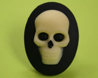 Large Black Skull Cameo Ring