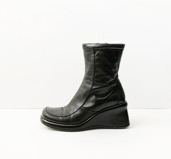 1990s Black Leather Platforms Boots