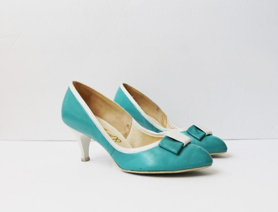 1950s Turquoise Bow Tie Pumps
