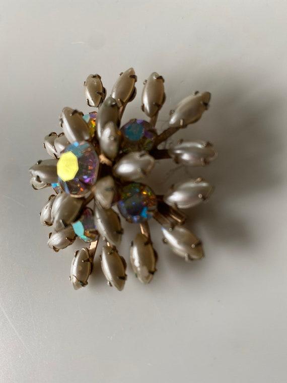 vintage faux pearl brooch - image 2