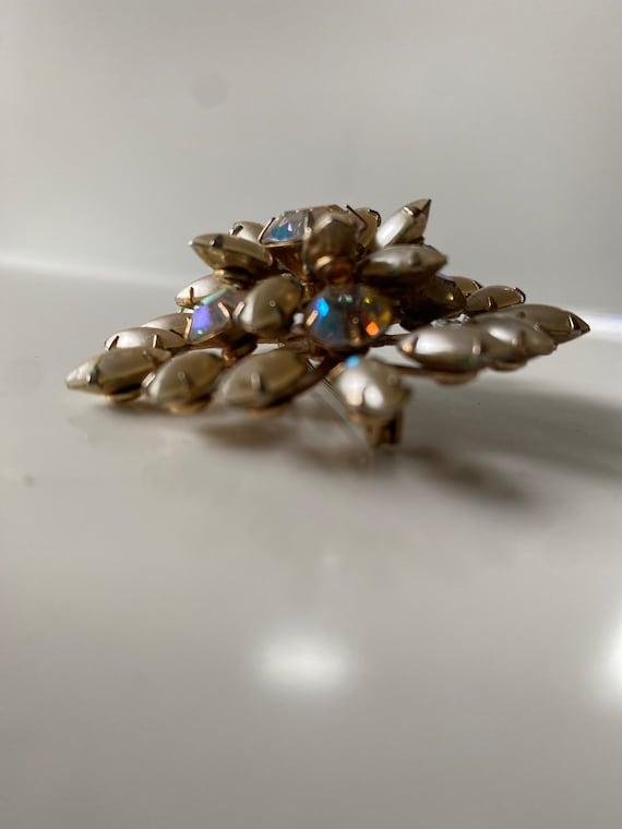 vintage faux pearl brooch - image 5