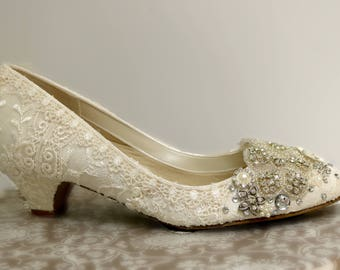 Low Heel Wedding shoes .. Embroidered Lace Bridal shoes .. | Etsy