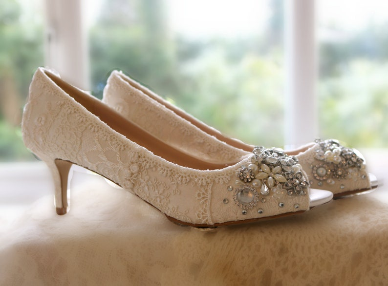20412521bd93 Vintage Lace Wedding Shoes . Bridal open toe mid Heels ..Lacy