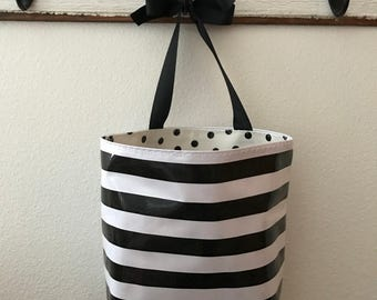 Beth's  Stripes Oilcloth Car Trash Bag Hanging Receptacle With a Ribbon Tie