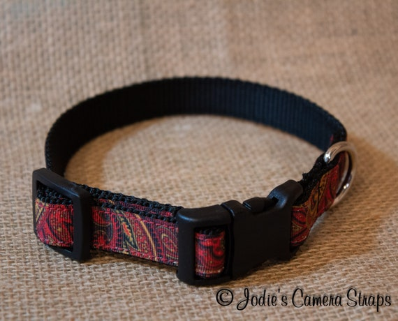 "Dog Collar - Red Paisley - Contoured Buckle - 5/8"" wide"