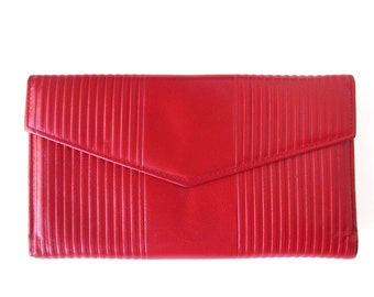 Vintage Kidskin Leather Wallet in Lipstick RED / Mundi Wallet with Change Purse / Checkbook Cover and Credit Card Holder / Very Nice!