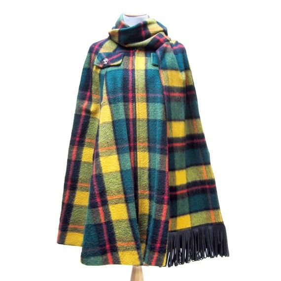 1960s MOD Wool CAPE in Green Tartan Plaid, Poncho,