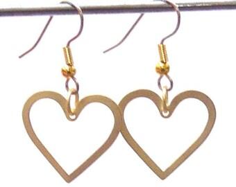Heart to Heart Earrings in matte Gold