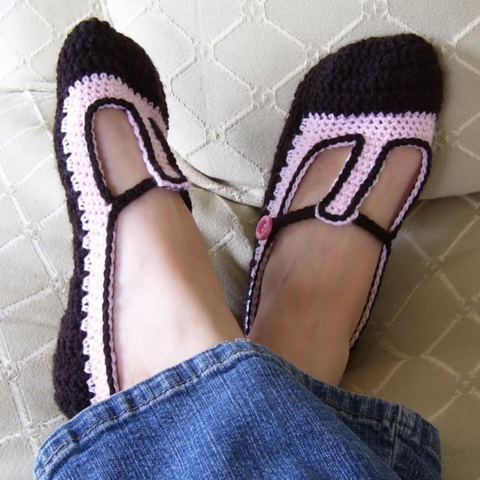 download now - crochet pattern skimmer t-strap ballet flats slippers - pattern pdf
