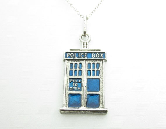 """20/"""" or 24/"""" Inch Chain Necklace /& Blue Tardis Police Box Pendant Charm"""