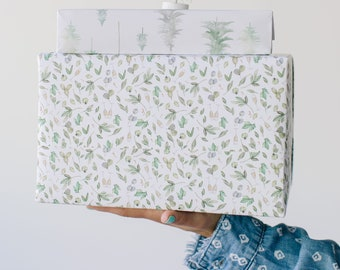 Mistletoe and Champagne Cheers Pattern Holiday Gift Wrap - Illustrated Christmas, Holiday Wrapping Paper