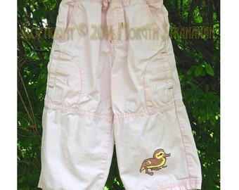 OOAK Entlein - Upcycled rosa Kinder Hosen Größe 18 Monate, 24,5 27,5 Pfund