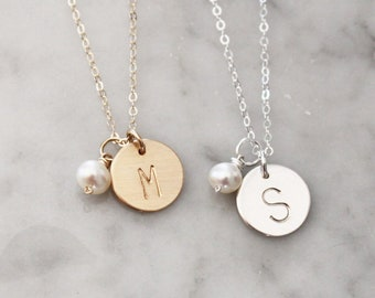 Gift Women, Bridesmaids Gifts, Initial Charm Necklace Pearl, Personalized Necklace, Initial Necklace, Mothers Necklace, Personalized Jewelry