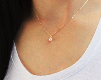 Simple Genuine Pearl Charm Necklace