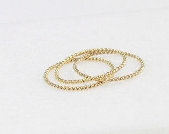 Minimal Twisted Band Ring