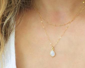Dainty Teardrop Gold Necklace