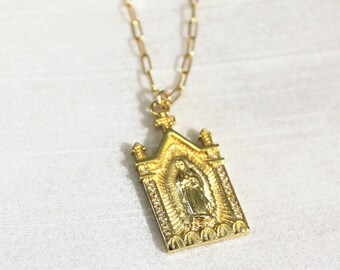 Mary Gold Pendant Necklace - Aura Collection