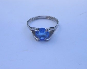 Dainty Sterling Espo Blue Glass Stone Ring Size 6.75