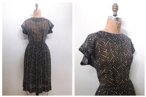 Vintage 50s Dress / Abstract Print Dress / Tucker