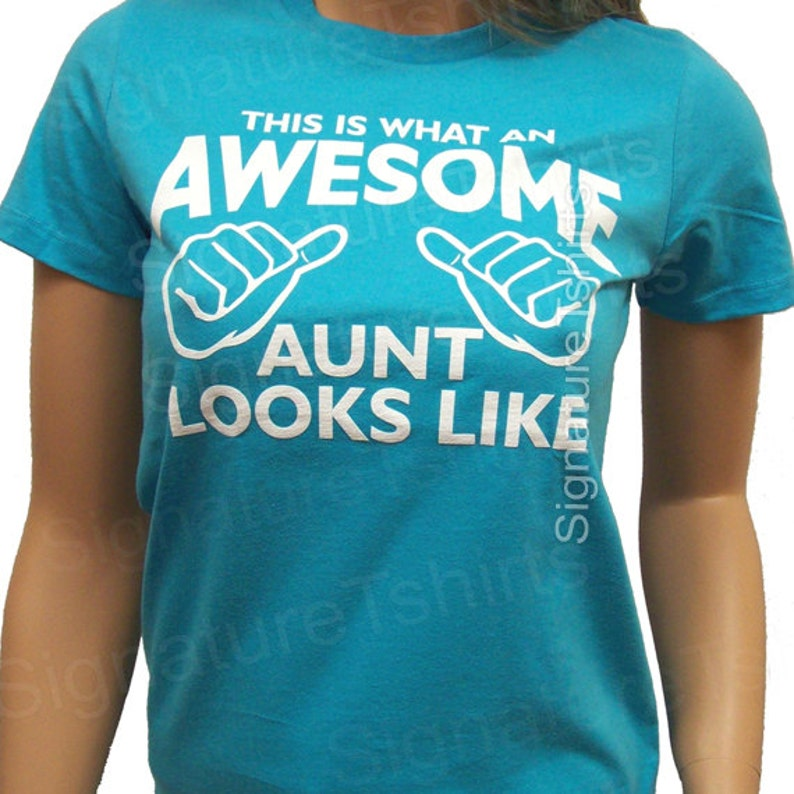 Awesome Aunt shirt This is what an Awesome Aunt Looks like image 0