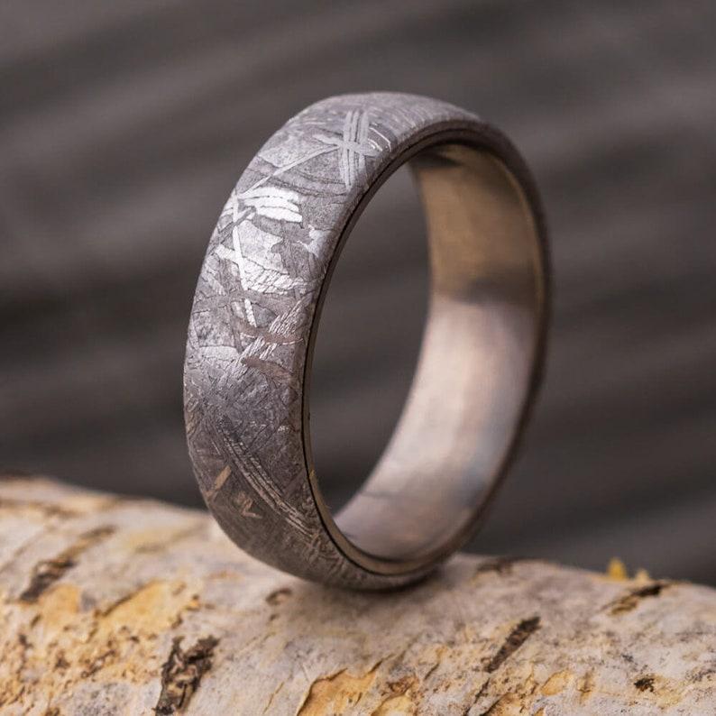 Simple Meteorite Ring in Titanium Alternative Men's image 0