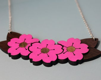 Collier en noyer cerisier