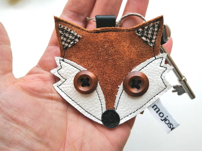 Recycled leather handmaderust leather fox keyring fox image 0