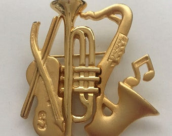 Vintage pin Trumpet Madison  musician  jazz hands  pingame flair orchestra musical instrument