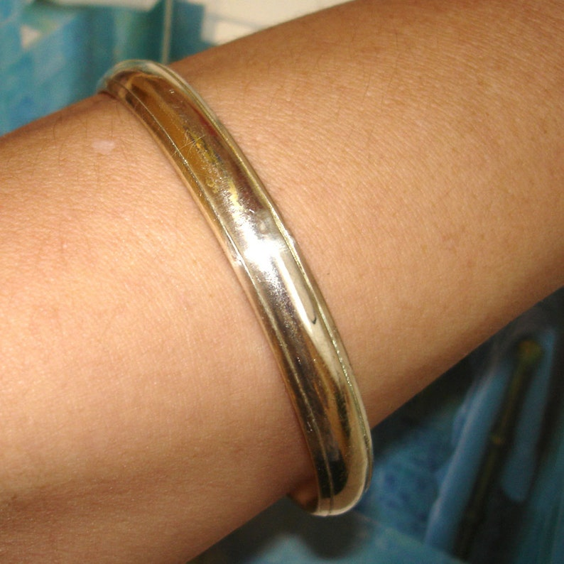 vintage simple silver tone metal upper or lower arm layering bangle stacking bracelet thin cuff unisex mens classic jewelry nonbinary women