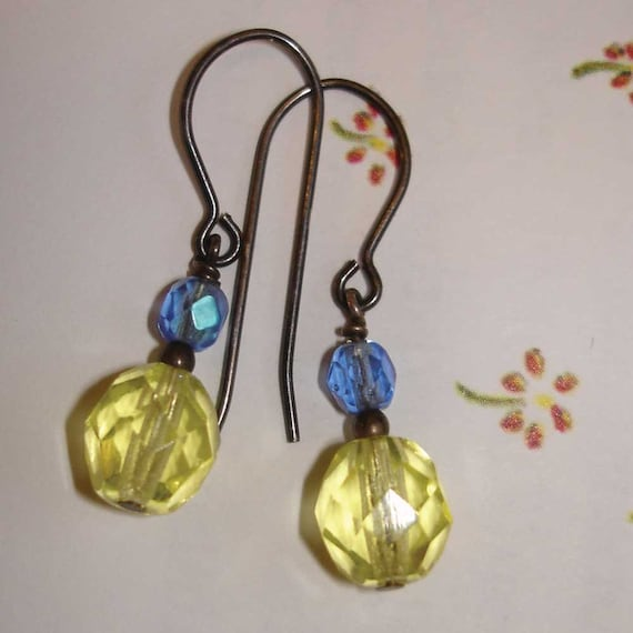 vintage buttery yellow and blue beaded earrings