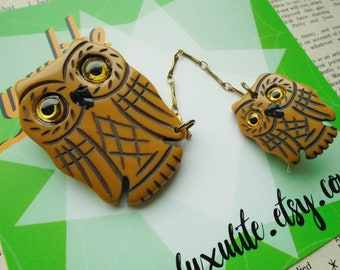 The owls are not what they seem - Single or double Butterscotch owl brooch - 1940s 50s bakelite inspired fakelite by Luxulite