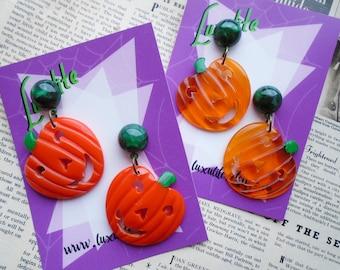 Happy Pumpkin Earrings!  Vintage-inspired opaque or juicy bakelite fakelite Jack O Lantern Halloween earrings - by Luxulite