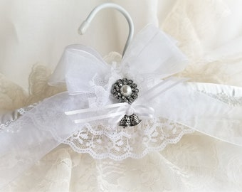 """Irish Heritage Bridal Gown Hanger With Free """"History of the Irish Tradition"""" Card Hanger Decorated Wedding Bells Inspired By This Tradition"""
