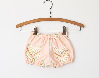 baby bloomers, toddler bloomers, baby girl clothes, organic baby bloomers in peach chevron, baby shorts, diaper cover, bubble shorts