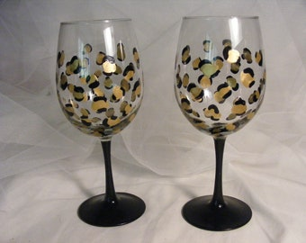 leopard print wine glass glasses with black stem - great gift for birthday or wedding, bridesmaids, bachelorette or girls night out