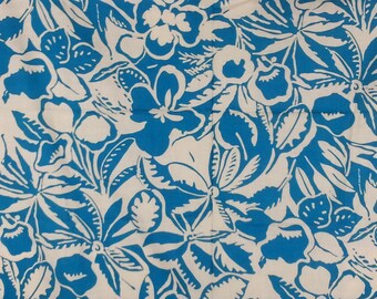 fb3863f18f Blue & white Hawaiian hibiscus print cotton fabric