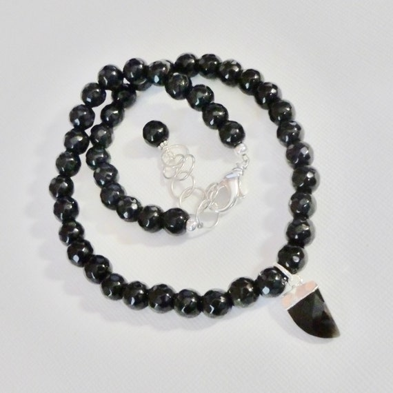 Black Agate Beaded Faceted Gemstone Horn Tusk Choker Necklace