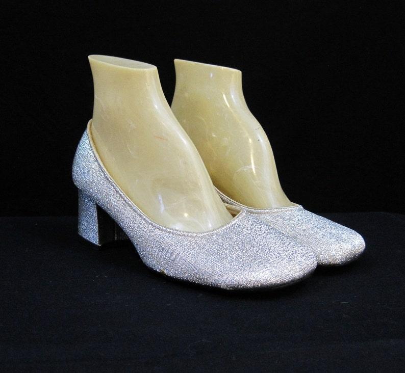 b6feb9d7b04fc Vintage 60s Shoes Mod Silver Pumps Sparkly Lame Low Heel Square Toe 6