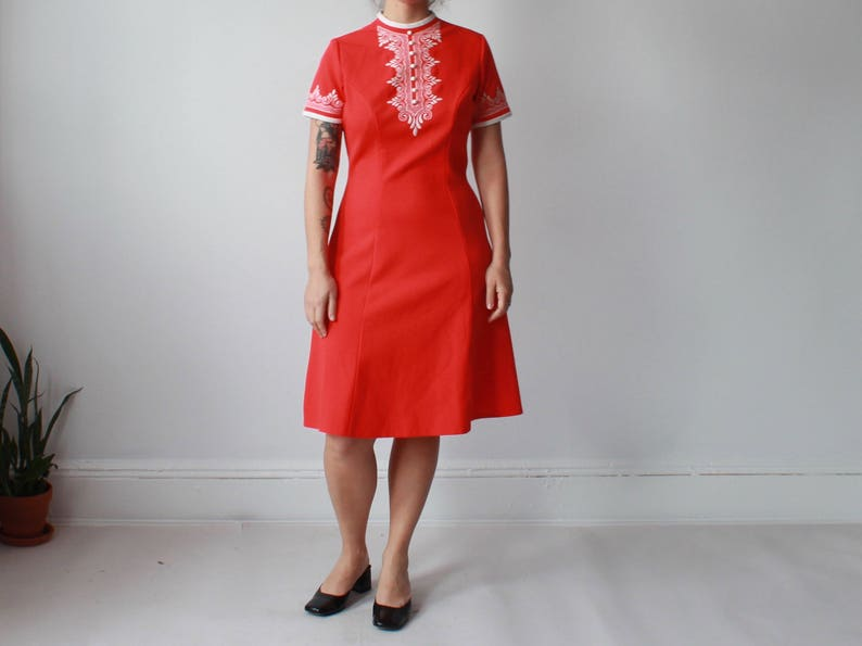vintage embroidered scooter dress  red white a line mod image 0