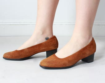 vintage rust suede day pumps | chunky heeled suede pumps, size US 9.5 | EUR 40
