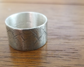 Rustic wide sterling silver wedding ring (E0662)