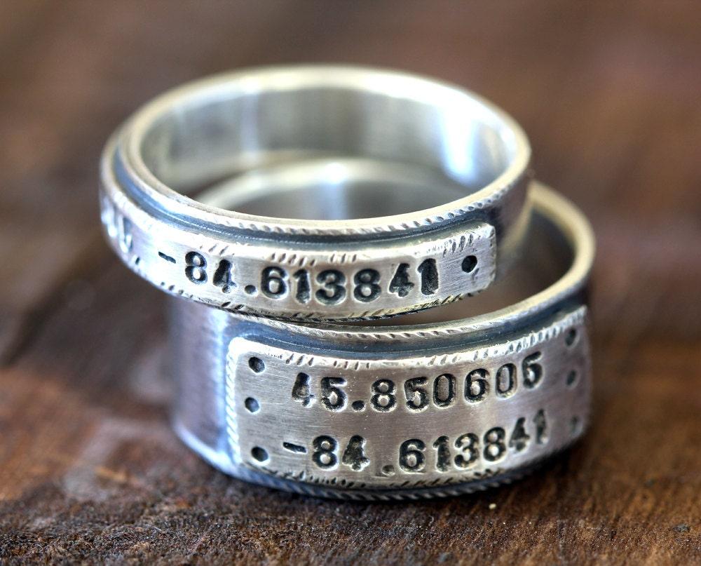 Custom Wedding Bands.Wedding Ring Set Personalized Wedding Bands E0280