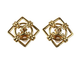 Authentic CHANEL Vintage Gold Metal Square Clip On CC Logo Earrings
