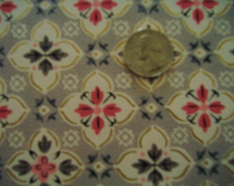 Antique Wallpaper Pretty Pattern With Gold Outlining