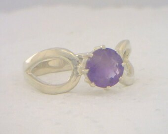 Purple Amethyst Handmade Sterling Silver Solitaire Ladies Ajoure Ring size 8.75