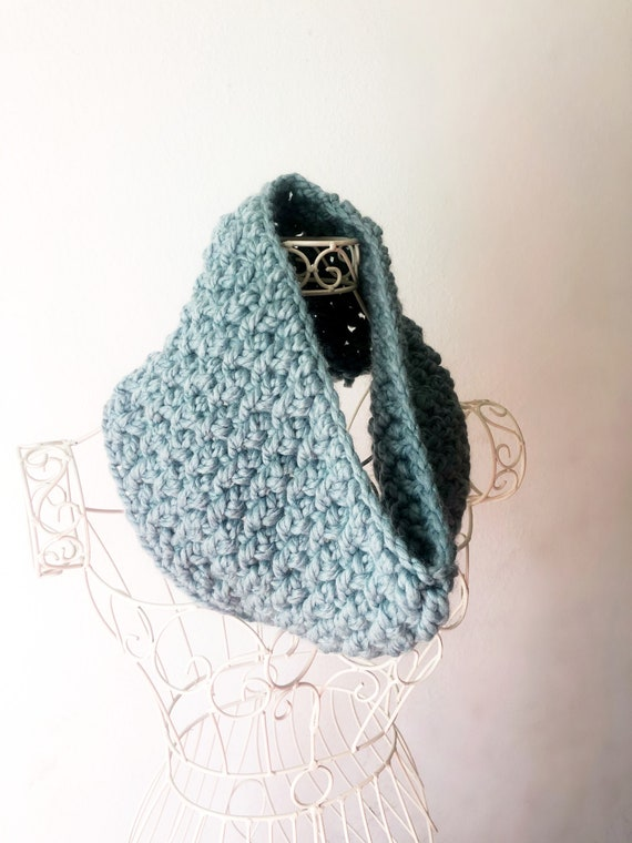 Alpine Twist Cowl in Color Succulent